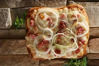 Onion and bacon pizza